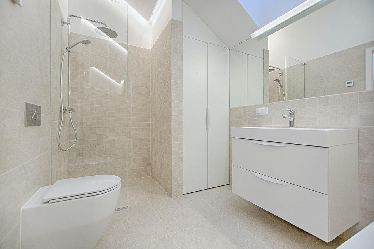 newly cleaned bathroom