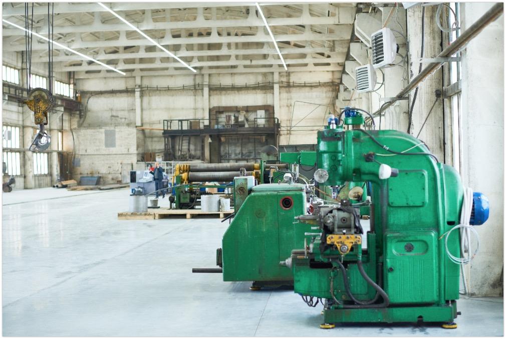 Spacious factory workshop